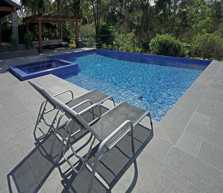 RAVEN GREY ENHANCED POOL PAVERS